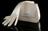 花嫁上級者ならこだわりたい!ウエディングハンドバッグ