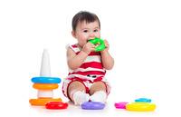 【おもちゃ選び】0~1才台の赤ちゃんの発達によいおもちゃってどんなもの?