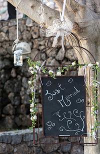 手書きのウェルカムボードでゲストをお迎え!結婚式の手作りグッズ