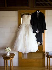 結婚式のウエディングドレス、入手方法は?