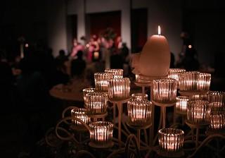 ロマンティックな夜景にうっとり!ナイトウエディングの体験談1