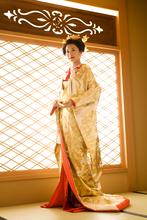 自身の髪で結い上げた日本髪は大人華やかな花嫁で大人気。