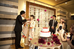 親族と友人に囲まれて温かなサプライズ満載の披露宴♪KKRホテル大阪[大阪]