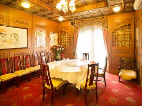 絢爛豪華な歴史ある特別個室をご両家だけの完全貸切にてご案内!